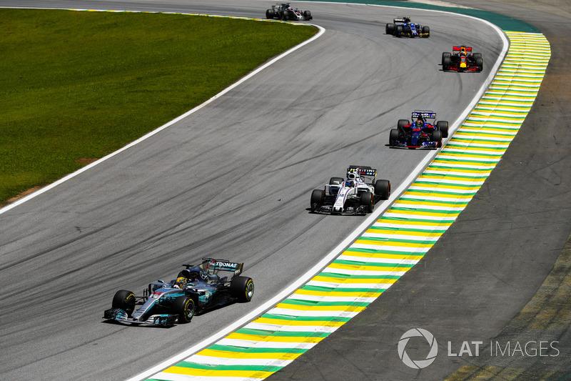 Lewis Hamilton, Mercedes AMG F1 W08, Lance Stroll, Williams FW40, Brendon Hartley, Scuderia Toro Rosso STR12, Daniel Ricciardo, Red Bull Racing RB13