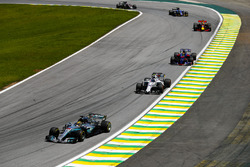 Lewis Hamilton, Mercedes AMG F1 W08, Lance Stroll, Williams FW40, Brendon Hartley, Scuderia Toro Rosso STR12, Daniel Ricciardo, Red Bull Racing RB13