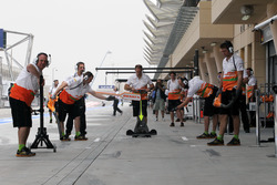 Force India F1 Team get ready for a pit stop