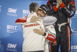 Podium: Esteban Guerrieri, Honda Racing Team JAS, Honda Civic WTCC with Tiago Monteiro, Honda Racing
