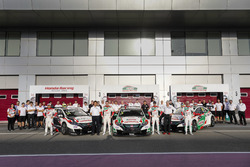Teamphoto with Norbert Michelisz, Honda Racing Team JAS, Honda Civic WTCC, Ryo Michigami, Honda Racing Team JAS, Honda Civic WTCC , Esteban Guerrieri, Honda Racing Team JAS, Honda Civic WTCC, Tiago Monteiro, Honda Racing Team JAS, Honda Civic WTCC
