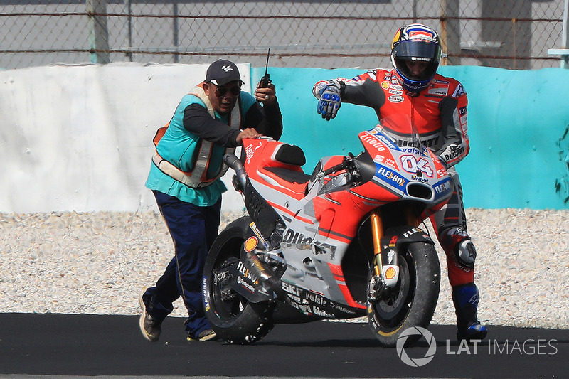 Andrea Dovizioso, Ducati Team after crash
