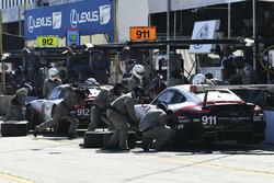 #911 Porsche Team North America Porsche 911 RSR, GTLM: Патрік Пілет, Нік Тенді, Фредерік Маковєцкі, #912 Porsche Team North America Porsche 911 RSR, GTLM: Джанмаріа Бруні, Лоранс Вантор, Ерл Бембер