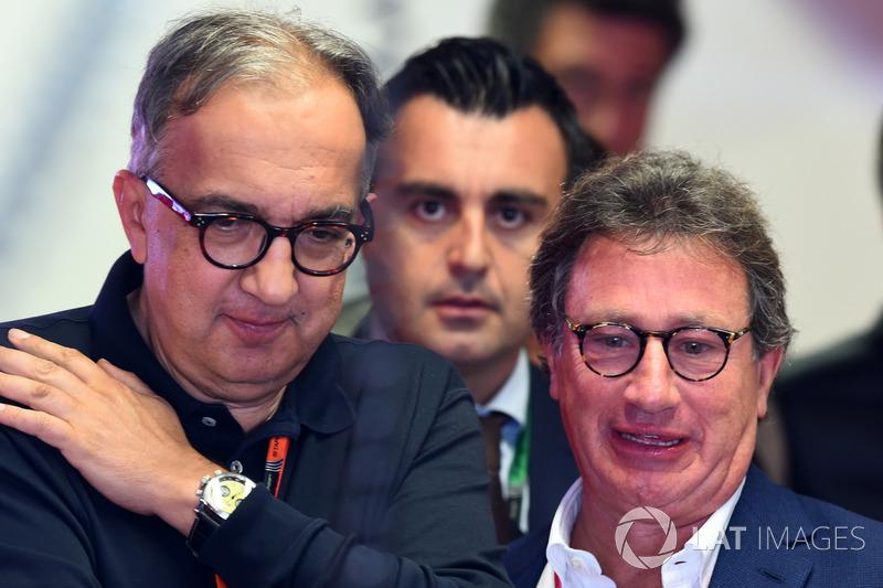 Sergio Marchionne bersama Louis Camilleri