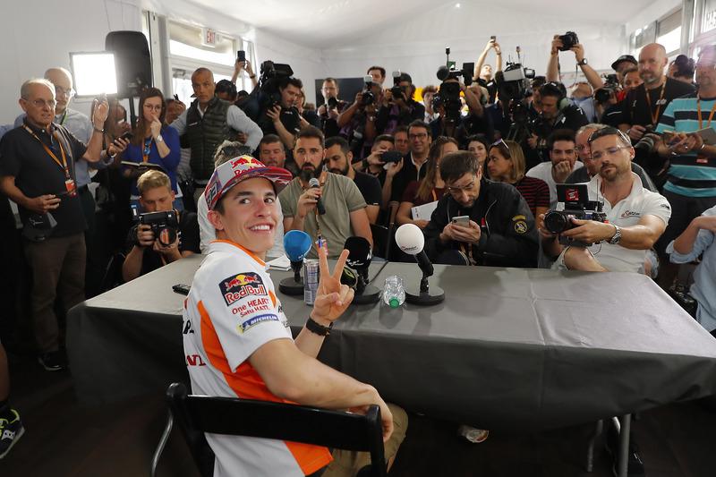 Marc Márquez, Repsol Honda Team con los medios