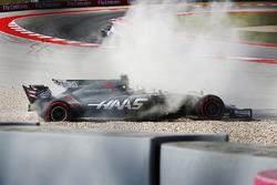 Romain Grosjean, Haas VF-17, spins into the gravel