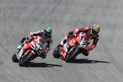 Chaz Davies, Aruba.it Racing-Ducati SBK Team passes Eugene Laverty, Milwaukee Aprilia in T2