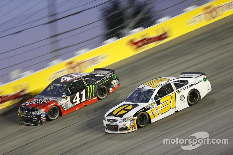 Ryan Newman, Richard Childress Racing Chevrolet, Kurt Busch, Stewart-Haas Racing Chevrolet