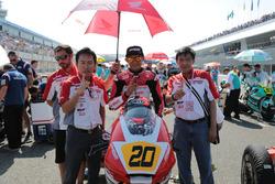 Dimas Ekky on the grid start