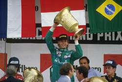 Podium: Race winner Gerhard Berger, Benetton