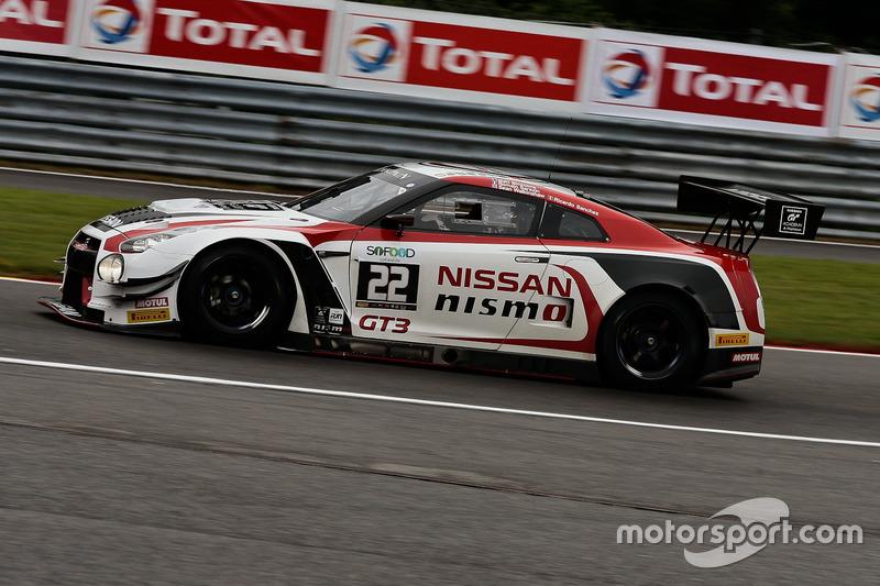 #22 Nissan GT Academy Team RJN Nissan GT-R Nismo GT3: Riccardo Sanchez, Romain Sarazin, Sean Walkinshaw, Matthew Simmons