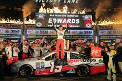 Race winner Carl Edwards, Joe Gibbs Racing Toyota