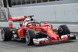Kimi Raikkonen, Ferrari SF16-H met de halo
