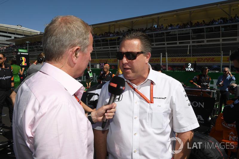 Martin Brundle, Sky TV praat met Zak Brown, McLaren Executive Director