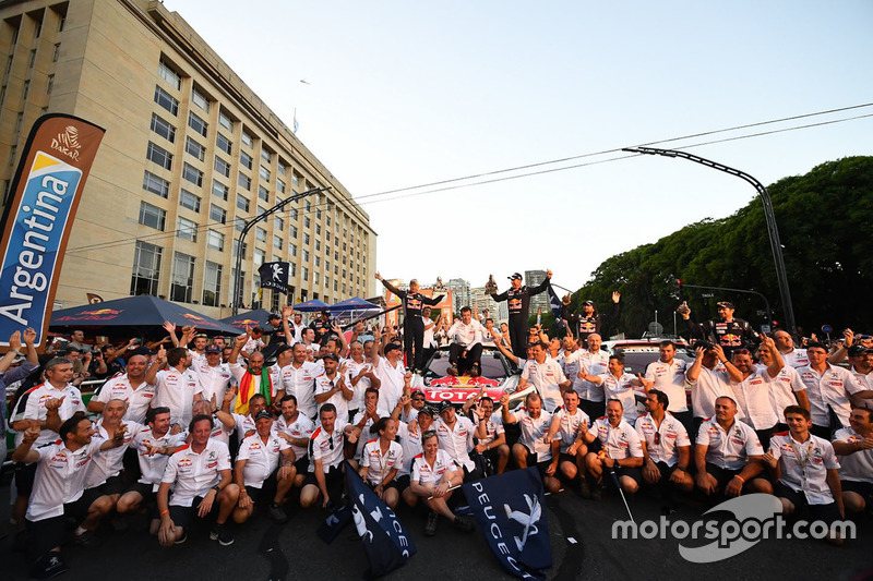 Stéphane Peterhansel, Jean-Paul Cottret, Sébastien Loeb, Daniel Elena, Cyril Despres, David Castera, Bruno Famin, Peugeot Sport celebrate with the team