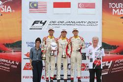Podium Race 7: Pemenang balapan, Presley Martono (INA); runner-up, Isyraf Danish (MAS); peringkat ketiga, Danial Frost (SIN)