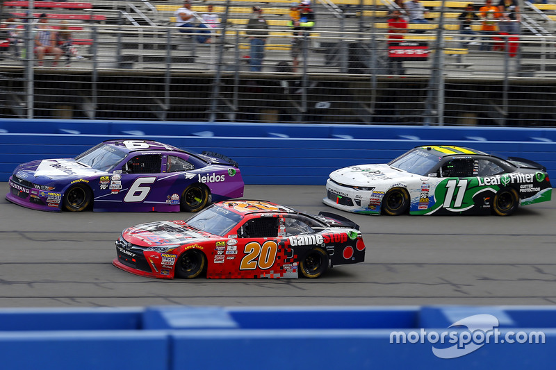 Erik Jones, Joe Gibbs Racing, Toyota; Darrell Wallace Jr., Roush Fenway Racing, Ford; Blake Koch, Kaulig Racing, Chevrolet