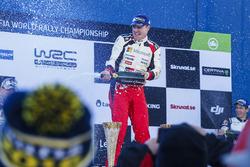 Podium: winner Jari-Matti Latvala, Toyota Racing