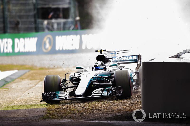 Valtteri Bottas, Mercedes-Benz F1 W08 pist dışına çıkıyor