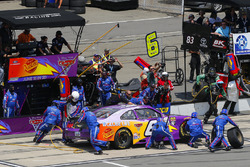 Darrell Wallace Jr., Roush Fenway Racing Ford pit stop
