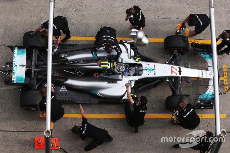 Valtteri Bottas, Mercedes AMG F1 W08, Boxenstopp