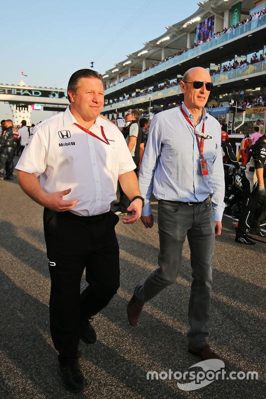 Zak Brown, Director Ejecutivo de McLaren con Donald Mackenzie, CVC Capital Partners gestión socio, Co Director de inversiones globales