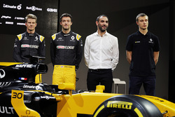 (L to R): Nico Hulkenberg, Renault Sport F1 Team with Jolyon Palmer, Renault Sport F1 Team; Cyril Abiteboul, Renault Sport F1 Managing Director; Sergey Sirotkin, Renault Sport F1 Team Third Driver, with the Renault Sport F1 Team RS17