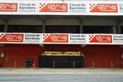 Die Boxengasse in Barcelona