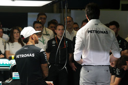 Lewis Hamilton, Mercedes AMG F1 and Toto Wolff, Mercedes AMG F1 Shareholder and Executive Director at a team meeting