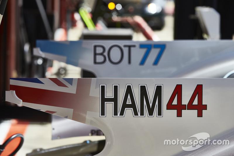 New driver ID graphics on the cars of Lewis Hamilton, Mercedes AMG F1 W08, Valtteri Bottas, Mercedes AMG F1 W08