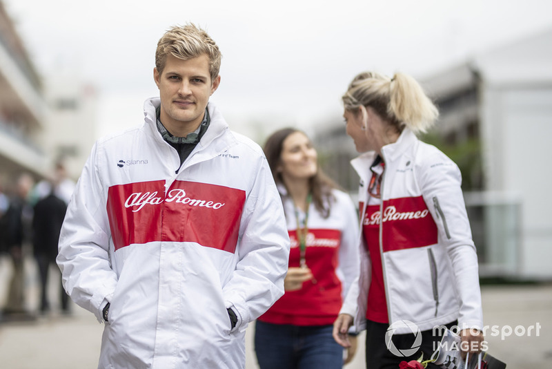 Marcus Ericsson, Sauber C37 e Katharina Zeilinger, Sauber
