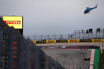 L'elicottero TV sopra a Kimi Raikkonen, Ferrari SF71H
