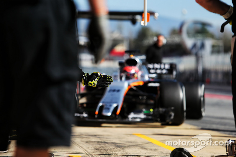 Martes : Esteban Ocon, Sahara Force India F1 VJM10