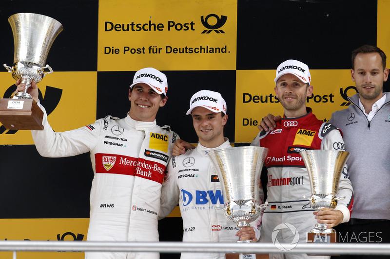 Переможець гонки Лукас Ауер, друге місце Роберт Вікенс, третє місце Рене Раст