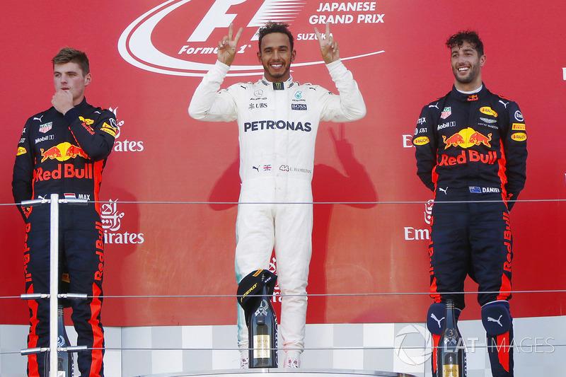 Podio: il vincitore della gara Lewis Hamilton, Mercedes AMG F1, il secondo classificato Max Verstappen, Red Bull Racing, il terzo classificato Daniel Ricciardo, Red Bull Racing