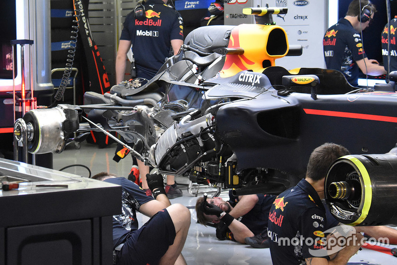 Детали задней части Red Bull Racing RB13