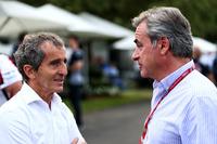Alain Prost, Renault Sport F1 Team RS17 con Carlos Sainz