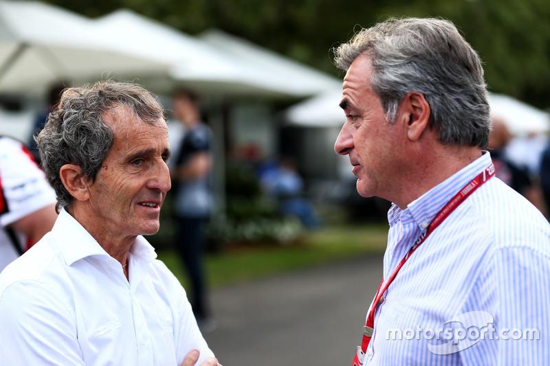 Alain Prost, Renault Sport F1 Team RS17, Berater mit Carlos Sainz