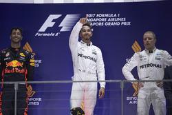 Podium: Second place Daniel Ricciardo, Red Bull Racing, Race winner Lewis Hamilton, Mercedes AMG F1, third place Valtteri Bottas, Mercedes AMG F1