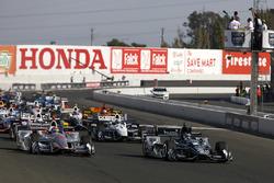 Start zum IndyCar-Saisonfinale 2017 in Sonoma: Josef Newgarden, Team Penske Chevrolet, führt