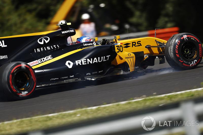 Jolyon Palmer, Renault Sport F1 Team RS17, un neumático con daños y pierde un ala delantera después de salirse de la pista