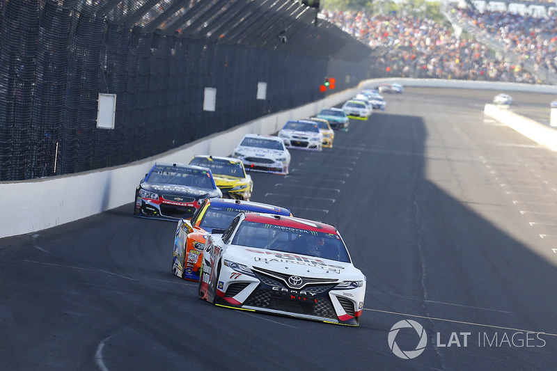 Erik Jones, Furniture Row Racing Toyota, Matt Kenseth, Joe Gibbs Racing Toyota
