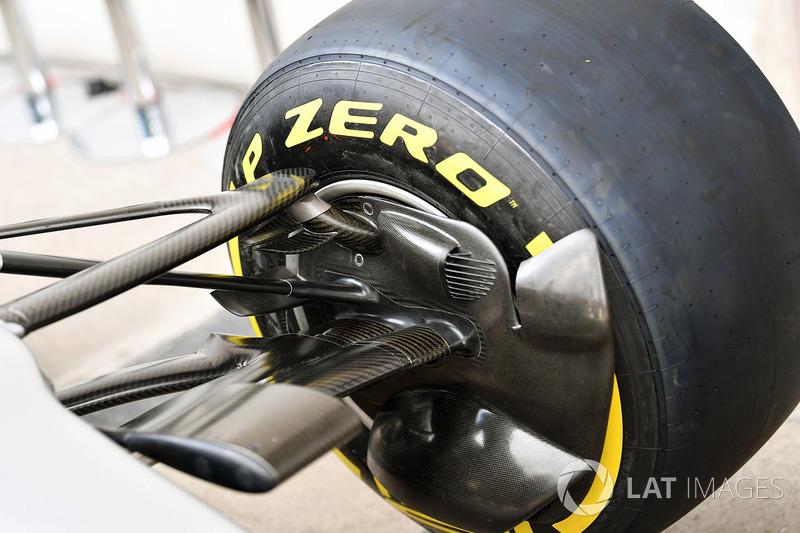 Mercedes AMG F1 W08 ön fren kanalı