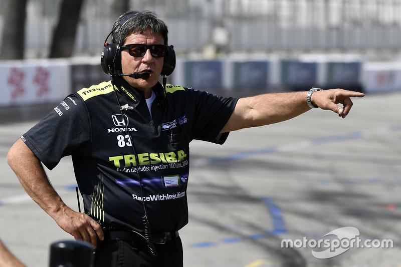 Charlie Kimball, Chip Ganassi Racing Honda Crew Chief Ricky Davis