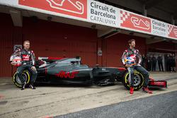 Romain Grosjean, Haas F1 Team, Kevin Magnussen, Haas F1 Team VF-17