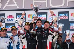 Podium Class B: race winners Stephen Grove, Brenton Grove, Benjamin Barker, Grove Motorsport