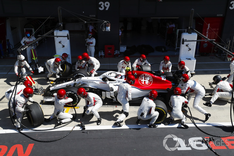 DNF: Charles Leclerc, Sauber C37