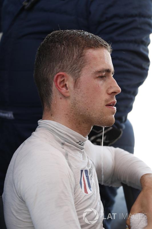 #32 United Autosports Ligier LMP2, P: Paul Di Resta, cerca un po' di sollievo dal caldo