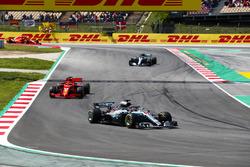 Lewis Hamilton, Mercedes AMG F1 W09, Sebastian Vettel, Ferrari SF71H, Valtteri Bottas, Mercedes AMG F1 W09