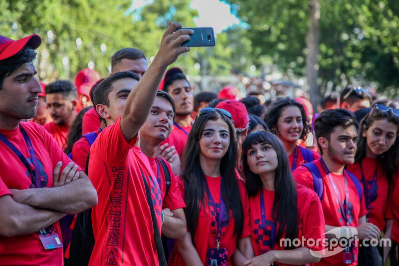 Voluntarios circuito de Bakú